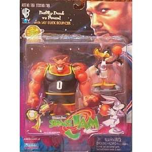 Space Jam Daffy Duck Vs Pound: Toys & Games