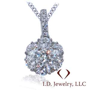 08CT 18KT WHITE GOLD ROUND CUT DIAMOND CLUSTER ILLUSION PENDANT