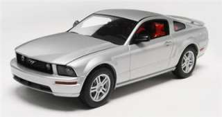 Revell Model kit 1/25 2006 Ford Mustang GT