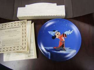 Edwin Knowles China plate Walt Disney Mickey Mouse 1988 |