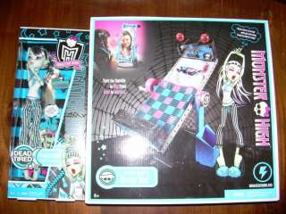 MONSTER HIGH Dead Tired FRANKIE STEIN Doll & MIRROR BED