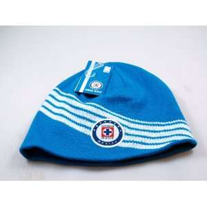 Cruz Azul Logo Beanie   002: Sports & Outdoors