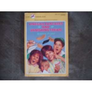 and Vanishing Cream Bonnie Pryor 9780440401735  Books