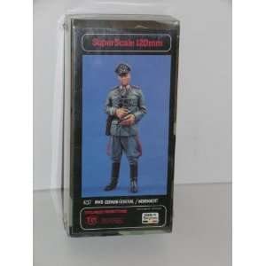 German WW II Wehrmacht General   Resin Military Miniature