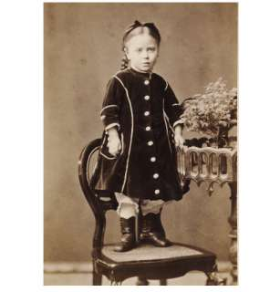 CUTE LITTLE GIRL child dress/fashion CDV PHOTO 1870s