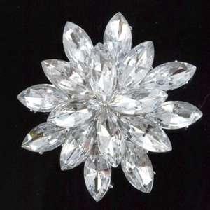 Silver Tone Clear Acrylic Rhinestone 3 dimensional Brooch Pin