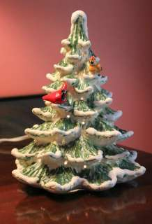 MEDIUM FEATHER CERAMIC CHRISTMAS TREE W/ CARDINALS 8 NEW