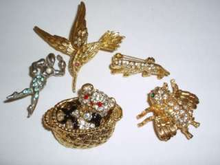 VINTAGE JELLY BELLY ENAMEL RHINESTONE SOME SIGNED 23PC FIGURAL BROOCH