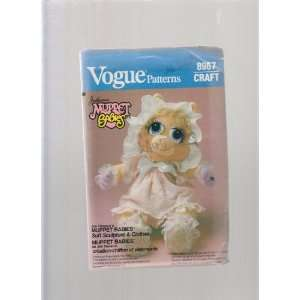 Babies 17 Doll ; Vogue Sewing Pattern 8967 ; Soft Sculpture & Clothes