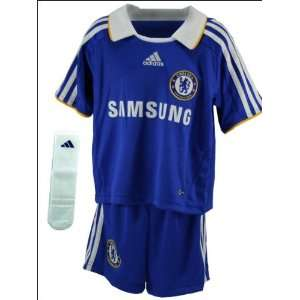 Chelsea 08/09 Home Kids Soccer Kit (age 3 7 years)  Sports